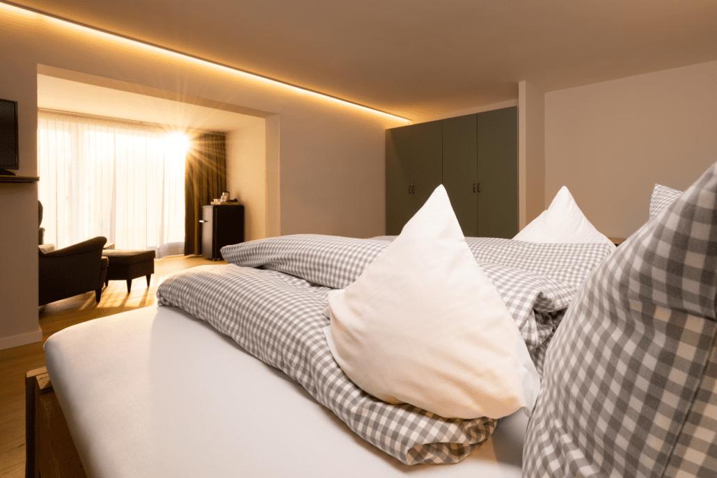 Schlafzimmer der neu renovierten Magnumsuite im freistil. Boutiquehotel.