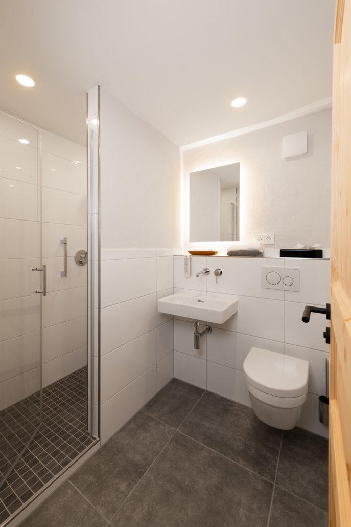 Ebenerdige Dusche im Bad. Unser Einzelzimmer. freistil. Boutiquehotel.