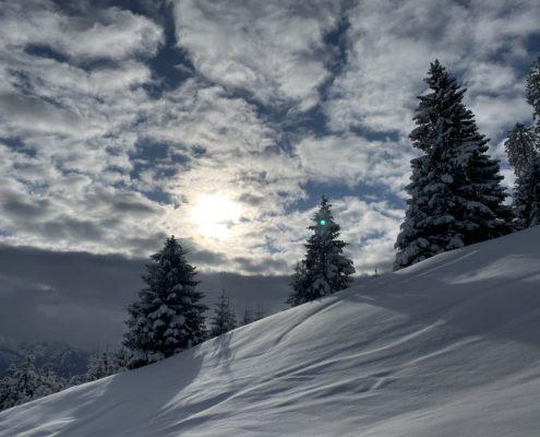 freistil. Oberallgäu. Winter. Schneeschuhtouren im Pulverschnee